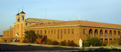 El convento de Monteagudo (Navarra, España) fue uno de los tres únicos conventos de vida religiosa que quedaron en España tras la Desamortización de 1835. El hecho de ser casa de formación de misioneros para Filipinas hizo que no fuera subastado por el Gobierno y permitió la continuidad de la vida religiosa agustino-recoleta en España.